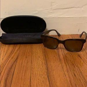 Tortoise Walnut Bonlook Sunglasses w. Case
